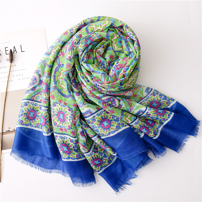 New green geometric contrast color cotton and linen shawl scarf female air conditioner sunscreen scarf scarf beach towel NHGD197363
