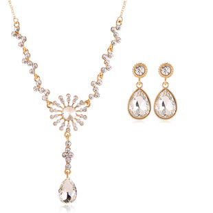 Color Preserving Golden Dinner Necklace Earrings Jewelry Set Jewelry Set Mother's Day Gift Set Lady