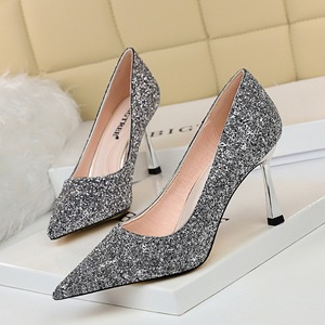 627-2 in Europe and the wind with high heels wedding shoe glass with shallow mouth pointed sexy show thin nightclub sequ