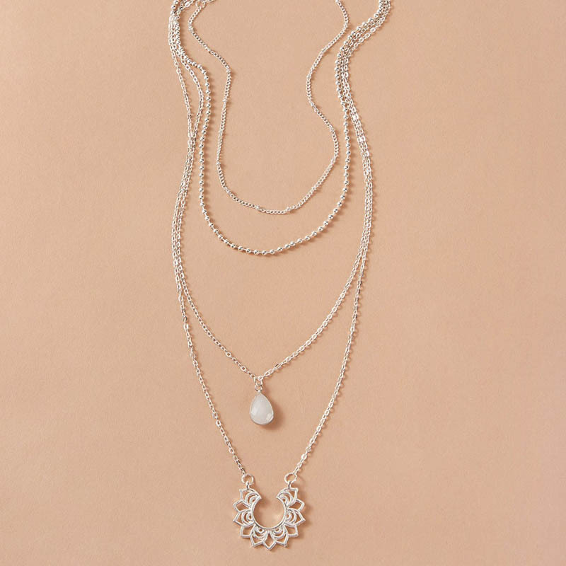 Temperament dropshaped diamond retro Vshaped lace 4layer necklace sweater chain women NHGY236068