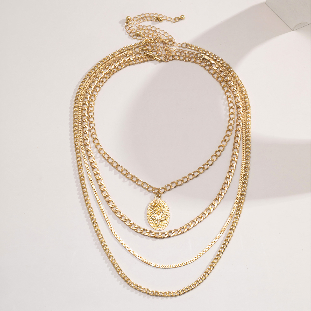 fashion  new  alloy  retro simple rose necklace NHXR265154