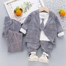 Bộ đồ trẻ em thời trang, thiết kế đơn giản, phối họa tiết xinh xắn