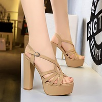 1660-1 retro European and American high heels thick heel waterproof platform sexy night club T-belt Roman style sandals high heels