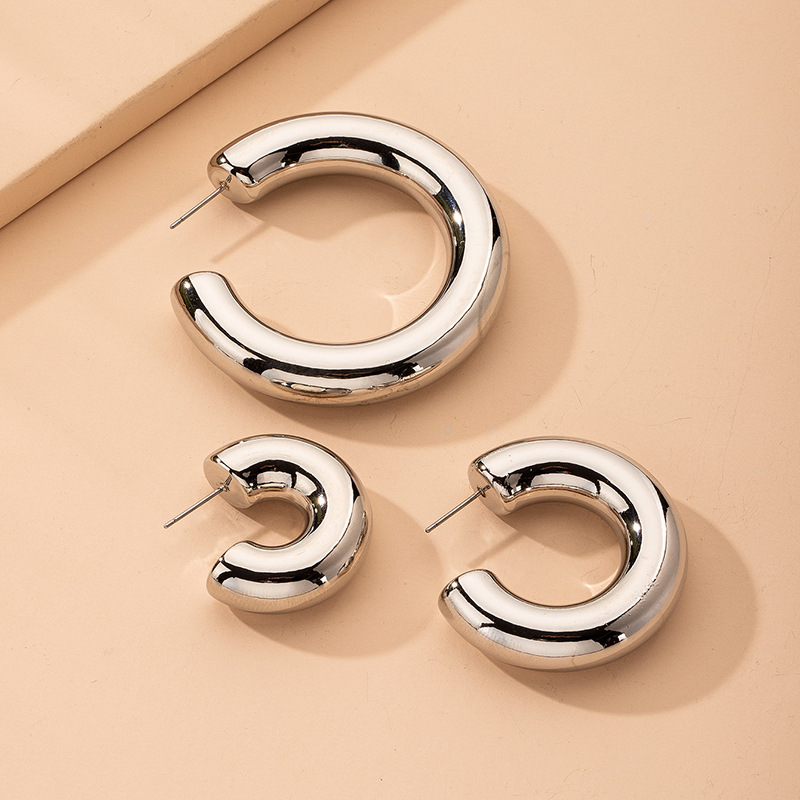 exaggerated C-shaped earrings new trendy simple metal style C-shaped earrings wholesale nihaojewelry NHAI239650