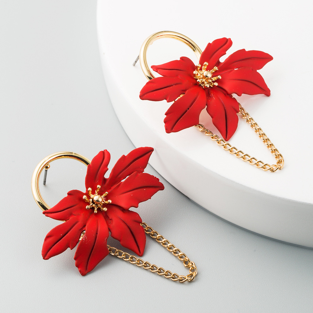 Fashion Maple Leaf Shaped Hollow Leaf Flowers Earrings Alloy Chain Tassel Earrings NHLN200449