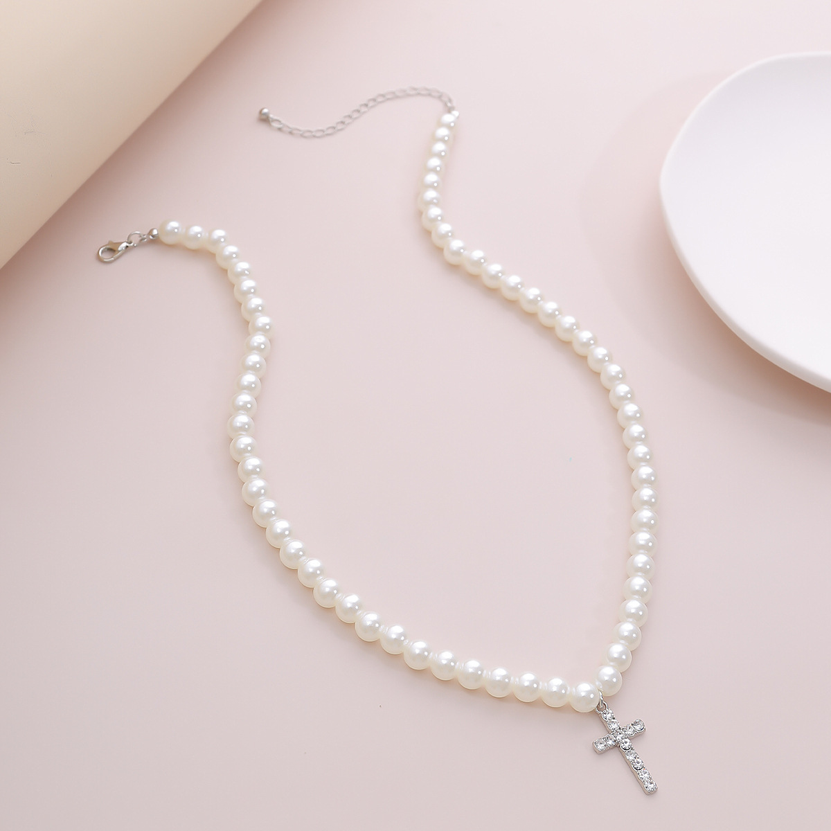 Fashion simple pearl clavicle retro diamond cross pendant necklace for women NHXR249910