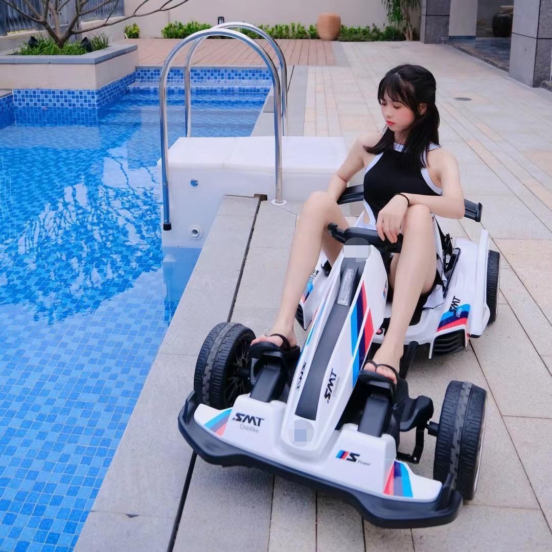 萨玛特新款遥控车9号儿童电动卡丁 车男女生充电玩具童车可坐成人