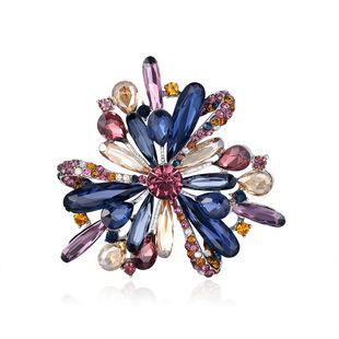 Fashionable Korean style temperament three-dimensional color crystal glass brooch, personalized clothing accessories for women, factory stock