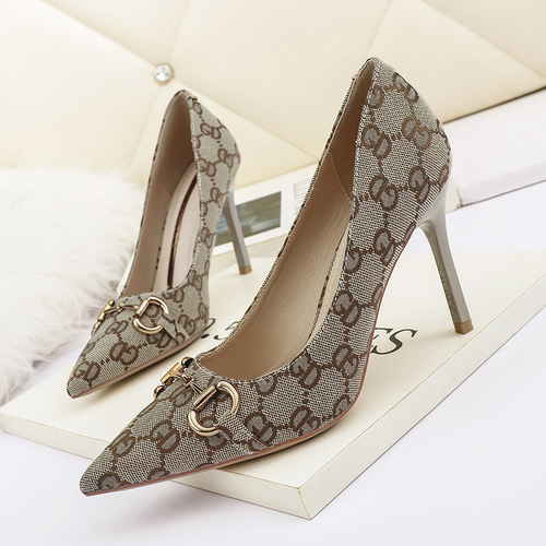 8666-9 in Europe and the sexy pointed shallow mouth high-heeled shoes web celebrity sexy nightclub show thin women's shoes joker for women's shoes