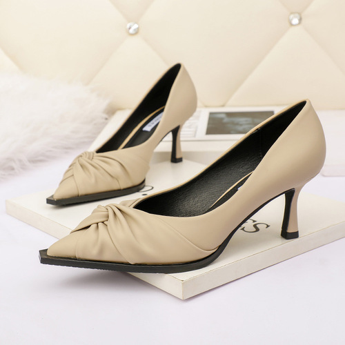 6899-5 han edition fashion point light mouth high-heeled shoes professional OL sexy women's shoes joker web celebrity party shoes
