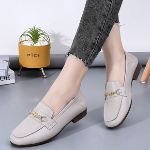 Spring and Autumn Mother's Shoes Women's Single Shoes Women's Soft-soled Peasy Shoes White Flat Leather Shoes 2021