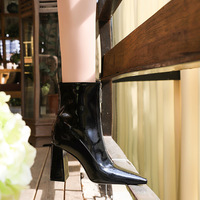 9568-2 the European and American fashion contracted wind thick with high boots with point light paint zipper decoration before the winter boots