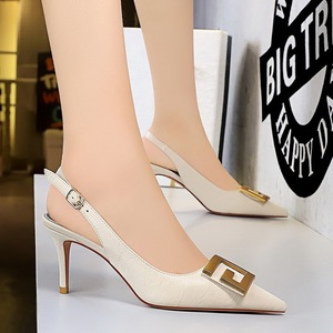 8999-5 European and American wind party shoes high heel with shallow mouth pointed hollow out after strappy metal square