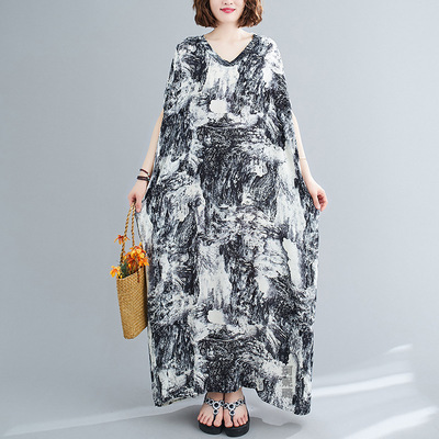 Dress retro and long robe is loose, short sleeve is large