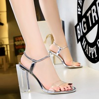 322-6 in Europe and the transparent crystal with peep-toe with ultra-high transparent nightclub sexy high-heeled sandals, hollow out a word