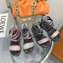 Sandal bé gái thời trang, thiết kế sành điệu, màu sắc cá tính bắt mắt
