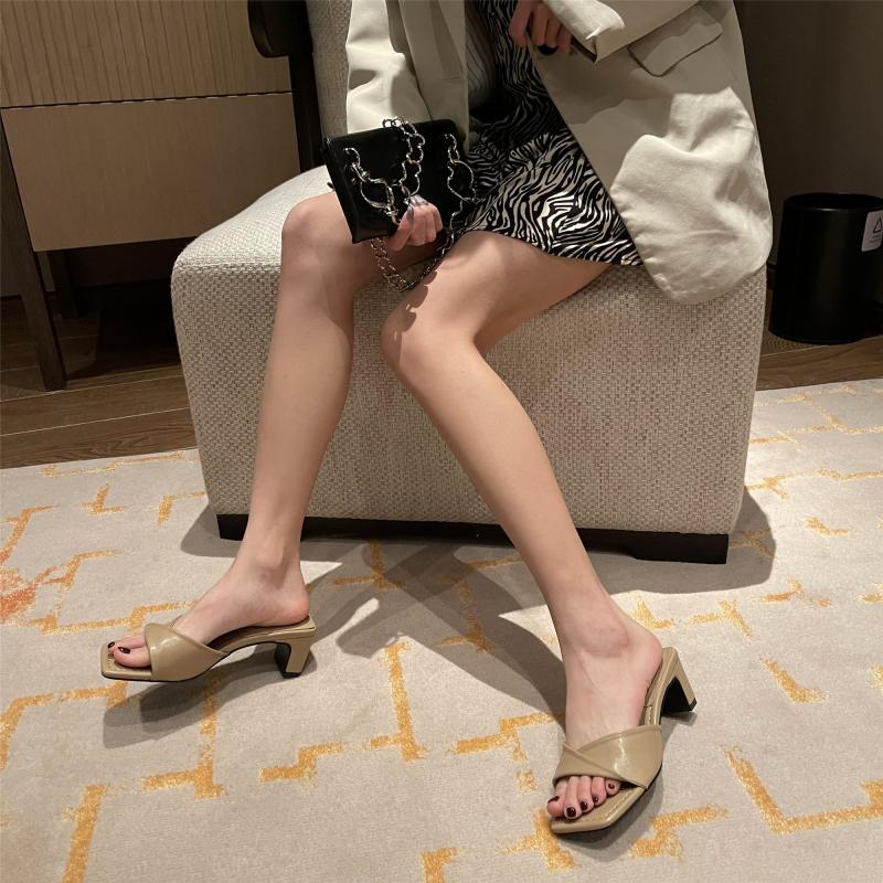 Fashion Black High-heeled Open-toed Square-toe Chunky Heel Slippers