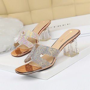 Han edition 838-1 daily female fashion cool slippers transparent with thick with delicate high-heeled hollow transparent