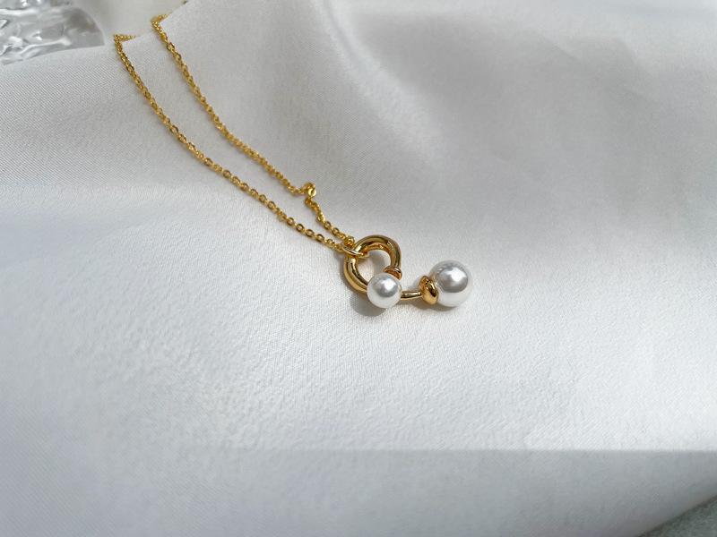 wholesale fashion thin chain pearl pendant copper necklace nihaojewelry NHGI381276