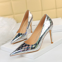 1932-5 in Europe and the sexy nightclub show female high-heeled shoes high heel with shallow thin mouth pointed metal stone grain single shoes