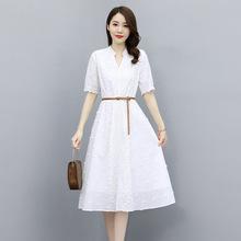 立體花瓣鏤空刺綉V領蕾絲連衣裙女2021新款氣質收腰配腰帶中長裙