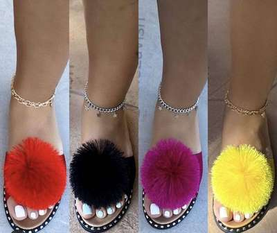 cute lady sandals hairball flat slippers clip feet