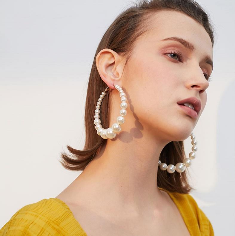 retro oversized artificial pearl big ear hoop NHBQ351569