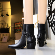 009-29 in Europe and the wind restoring ancient ways is thick with high knights with pointed metal chain decoration fashion short boots boots