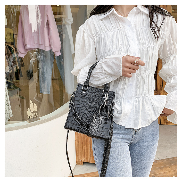 Simple messenger shoulder portable bag NHLH332061
