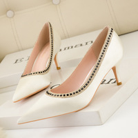 869-9 European and American wind sexy party show thin thin with shallow mouth pointed diamond with high heels satin single woman shoes