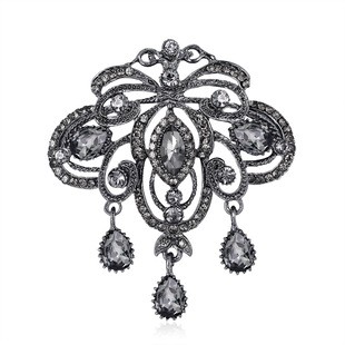 Fashionable vintage palace style brooch pin, personality temperament alloy brooch with black rhinestones and diamonds, clothing accessories
