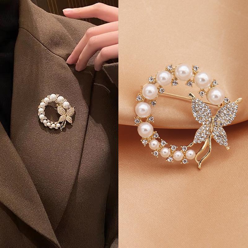 2021新款韩式镶钻可爱珍珠蝴蝶胸针 高档 丝巾扣服装配饰饰品批发