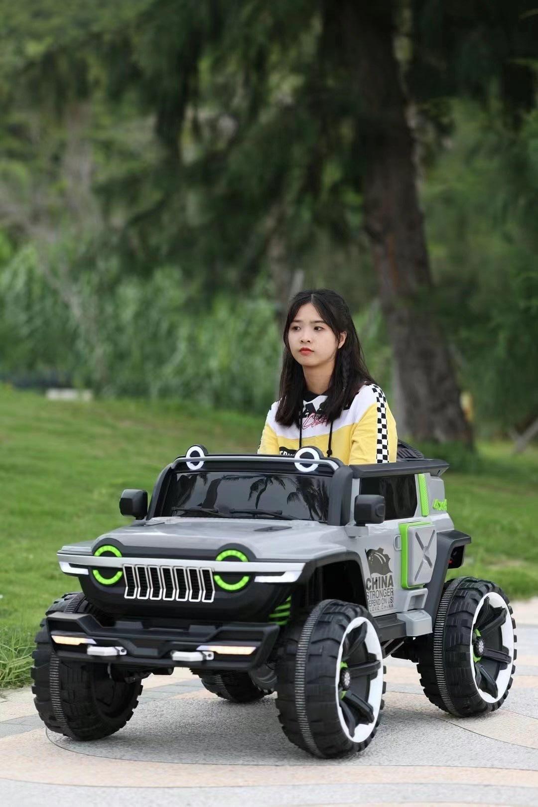 儿童电动车四轮可坐大人玩具车四驱越野车双人小宝宝电动汽车童车