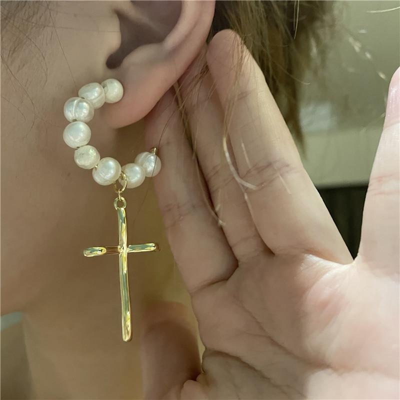 retro Cshaped cross freshwater pearl earrings  NHYQ363341
