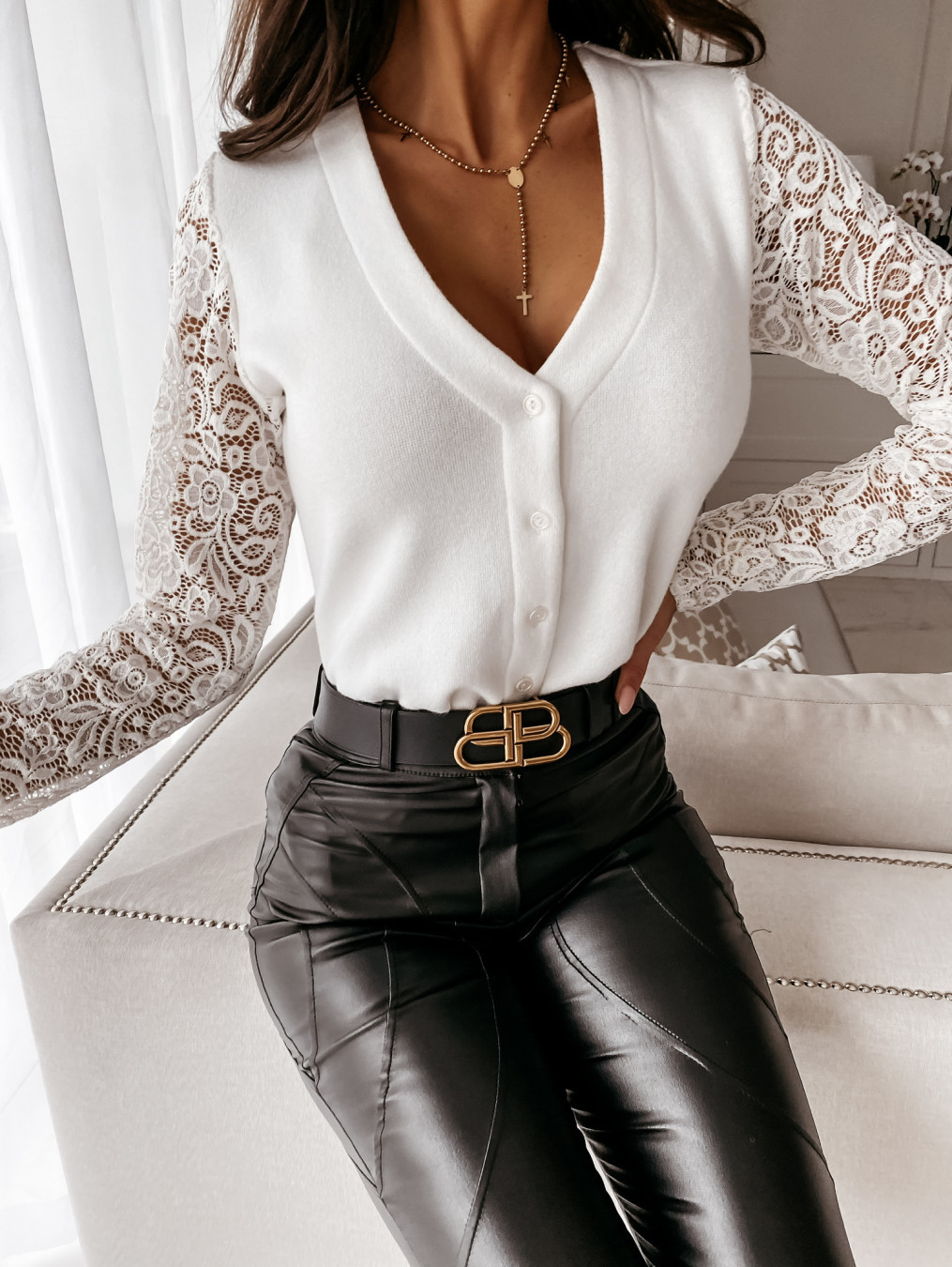 V-neck lace-stitching long-sleeved buttons solid color top NSYD6954