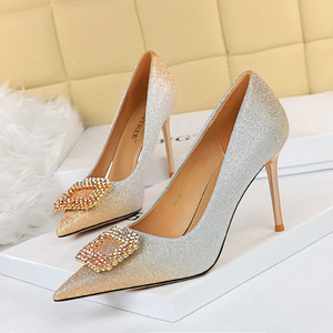 The 96161-8 han edition sexy high-heeled shoes high heel with shallow mouth party pointed color gradient diamond buckle