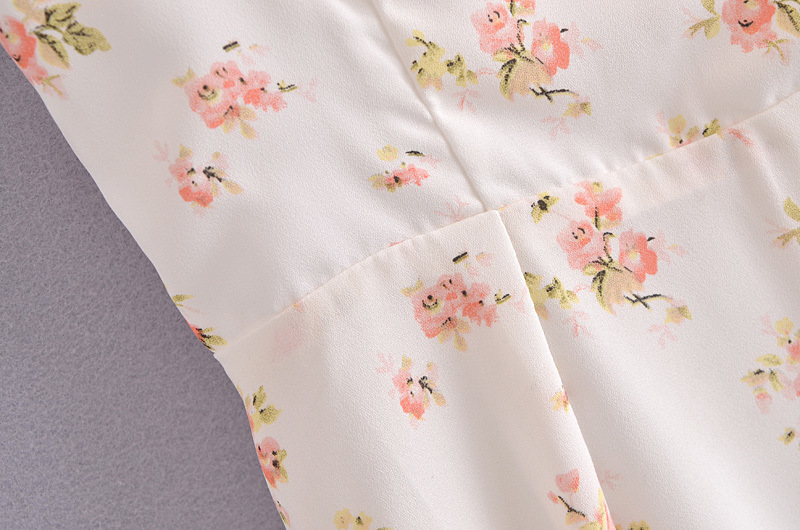 Fashion White Floral Printed Wood Ear Strap Skirt