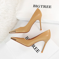 628-1 in Europe and the sexy nightclub show thin high-heeled shoes high heel with shallow mouth pointed metal decorative point single shoes