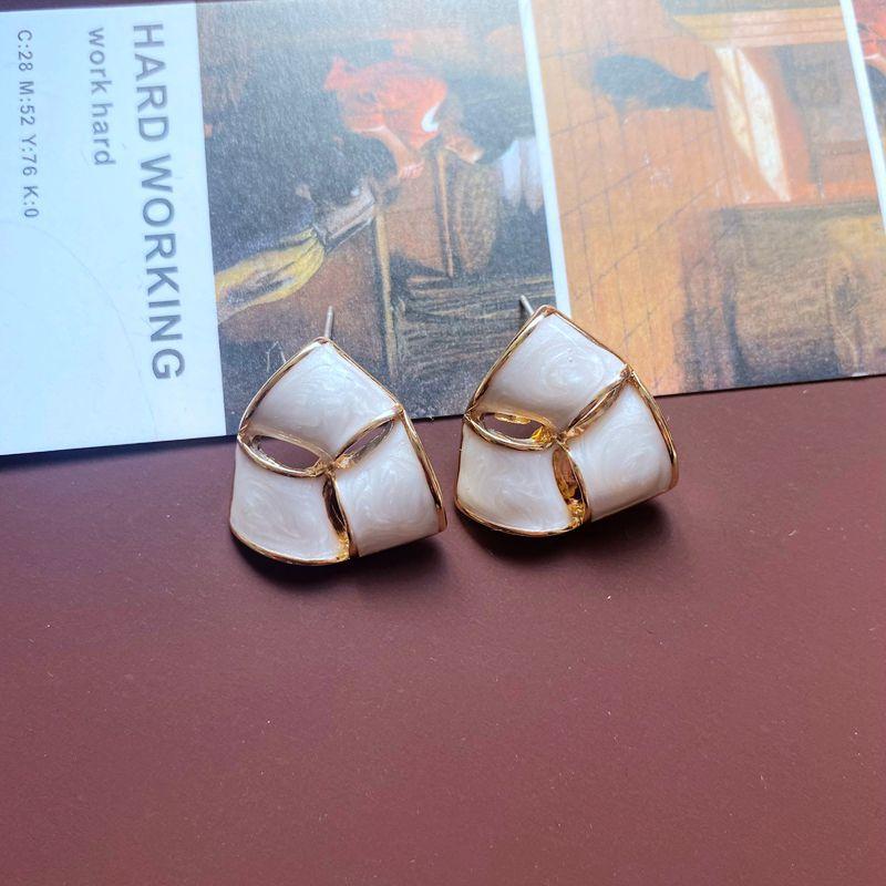 Retro Geometric Shell Bow Square Flower Earrings NHOM335228