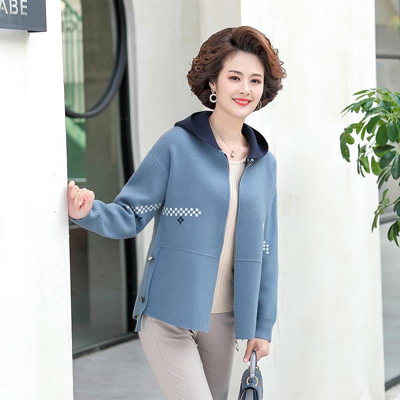 中年妈妈春秋外套新款2021针织夹克外衣中老年女士可拆卸连帽上衣