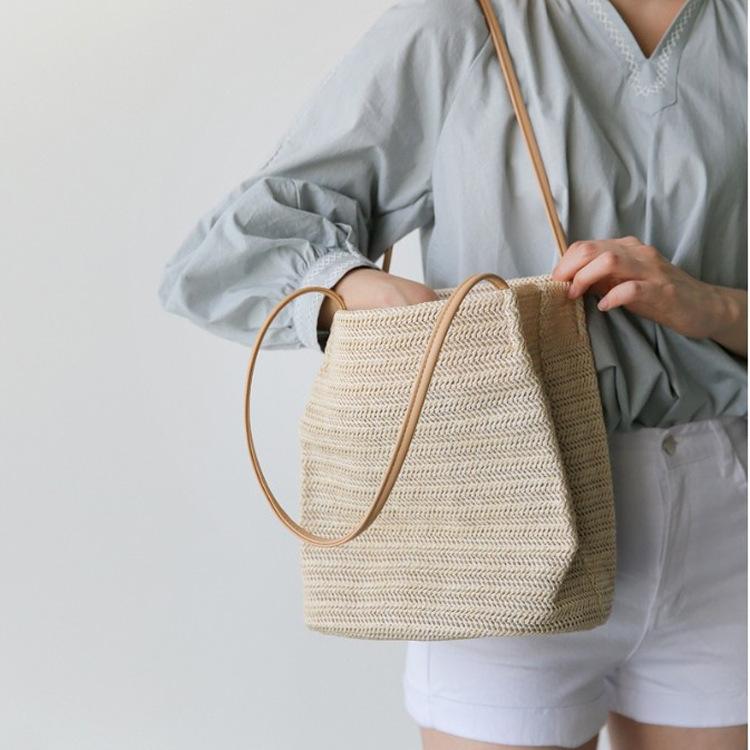 厂家批发2021草编包韩国同款水桶包休闲单肩包夏季新款时尚女包