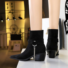 009-19 to restore ancient ways in Europe and the knights of boots with thick with high metal chain decoration fashionable short pointed suede boots