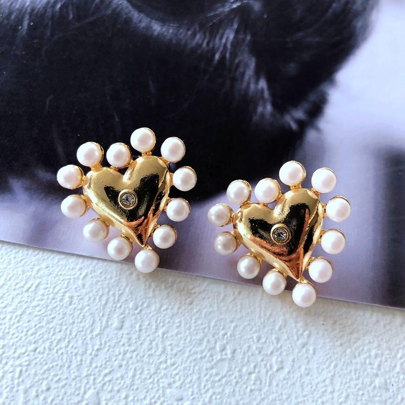 nihaojewelry simple flower heart resin pearl jewel earrings wholesale jewelry NHOM378513