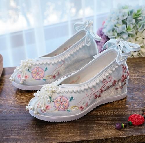 Women chinese retro wedding shoes Xiuhe Beijing round head Beaded princess fairy Hanfu shoes thickened wedding shoes