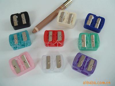双孔化妆笔卷笔刀YL 021、刀片锋利、星级品质、材料低碳环保